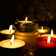 Candles against a dark background — Stockfoto