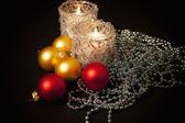 Dwie świece w szklane Świeczniki z c — Zdjęcie stockowe