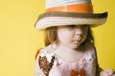 девушка с мороженным — Стоковое фото