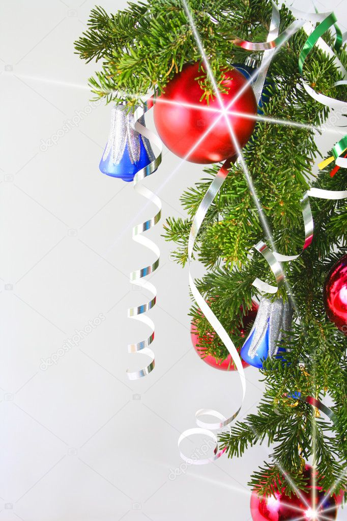 New Year's Spheres on a fur-tree — Stock Photo #1612843