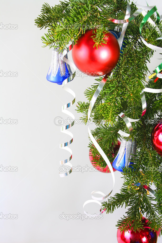 New Year's Spheres on a fur-tree — Stock Photo #1613014