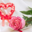 Red heart and rose — Stock Photo