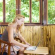 Woman with laptop — Stock Photo #1595270