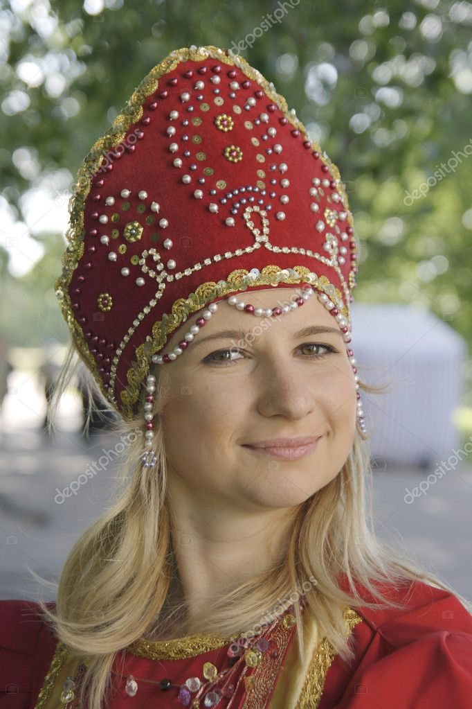 The girl in national russian clothes — Stock Photo #1772509