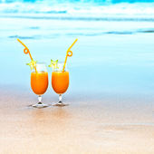 Two glasses of orange juice — Stock Photo