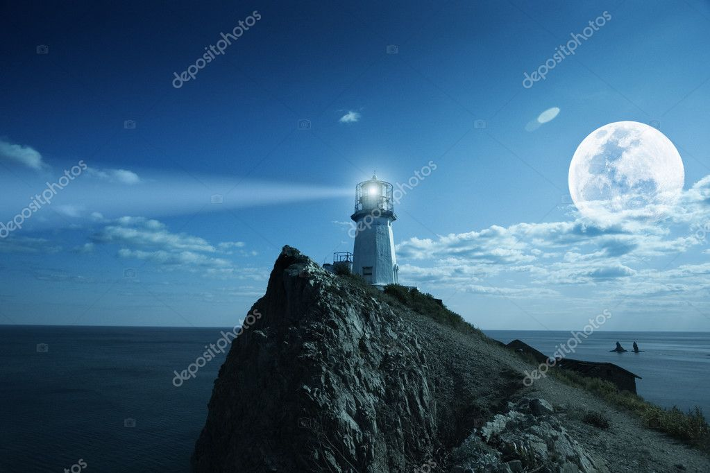 Lighthouse at nighttime. Japanese sea. — Lizenzfreies Foto #2276034
