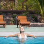 Woman in swimming pool — Stock Photo #2564781