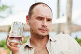 Mannen genieten van bier — Stockfoto