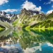 Amazing mountain lake — Stock Photo #1595885