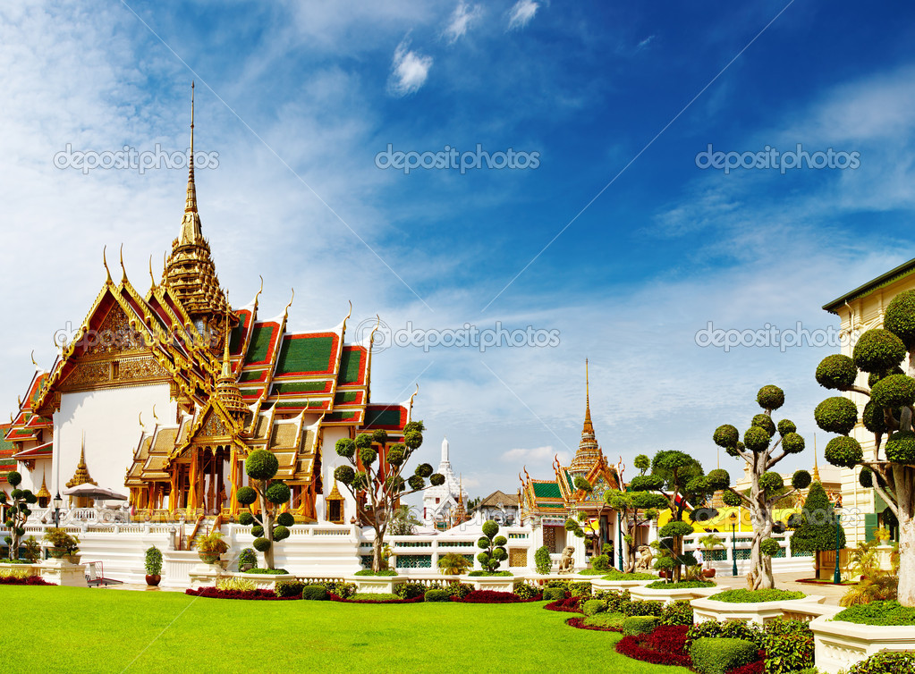 Traditional Thai architecture Grand Palace Bangkok — Stock Photo #1593474
