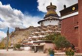 Ancient stupa Kumbum, Tibet — Stock Photo