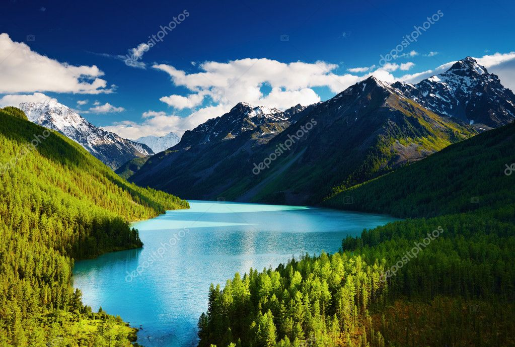 Beautiful turquoise lake Kucherlinskoe in Altai mountains — Photo #1700747