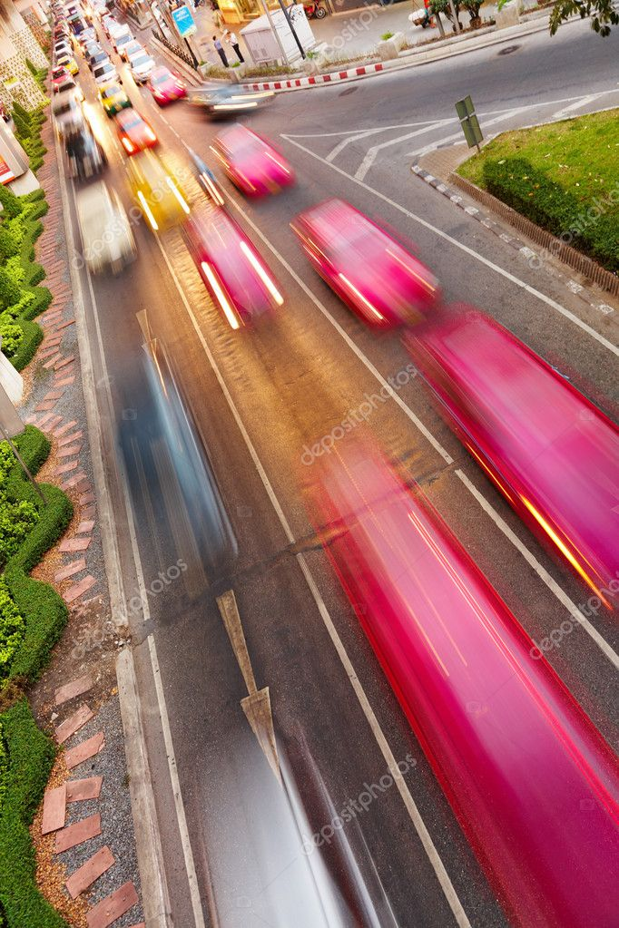 Street traffic, cars with motion blur   #2516555