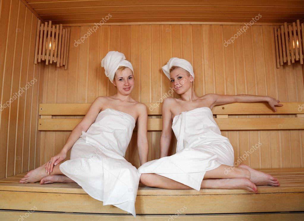 Teenager in der sauna
