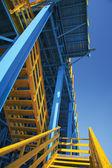 синий эшафот — Стоковое фото
