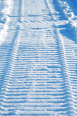 Trilha de moto na neve — Fotografia Stock