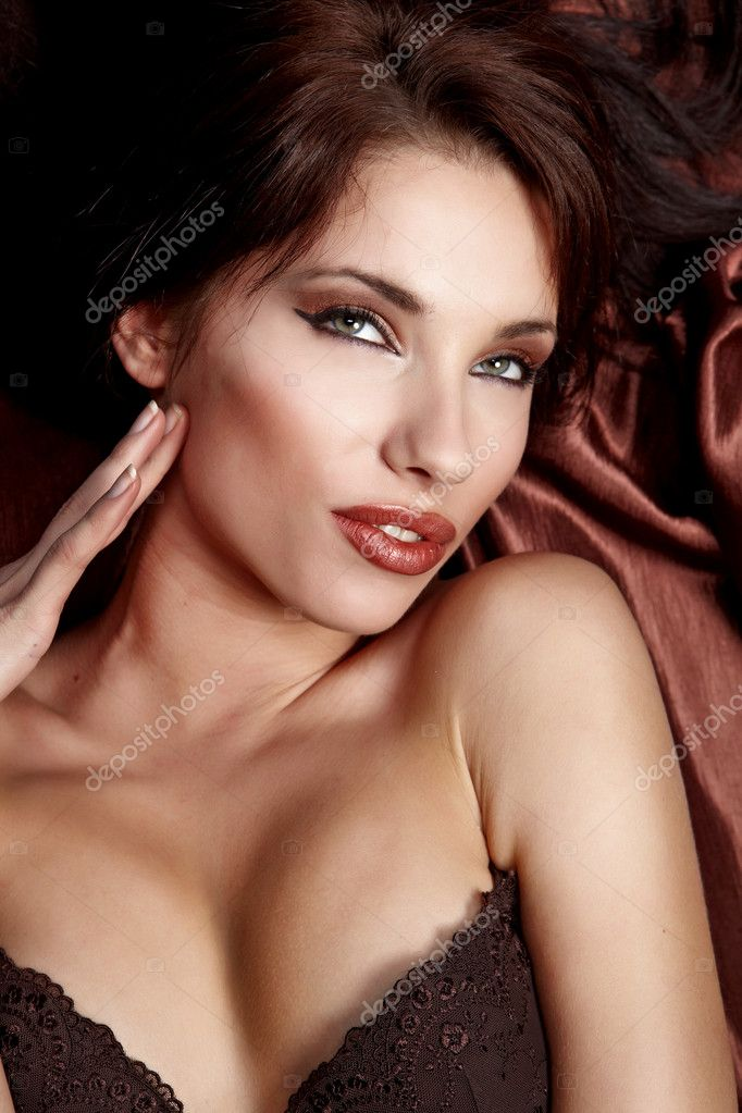 Portrait of wonderful woman — Stock Photo #1595800