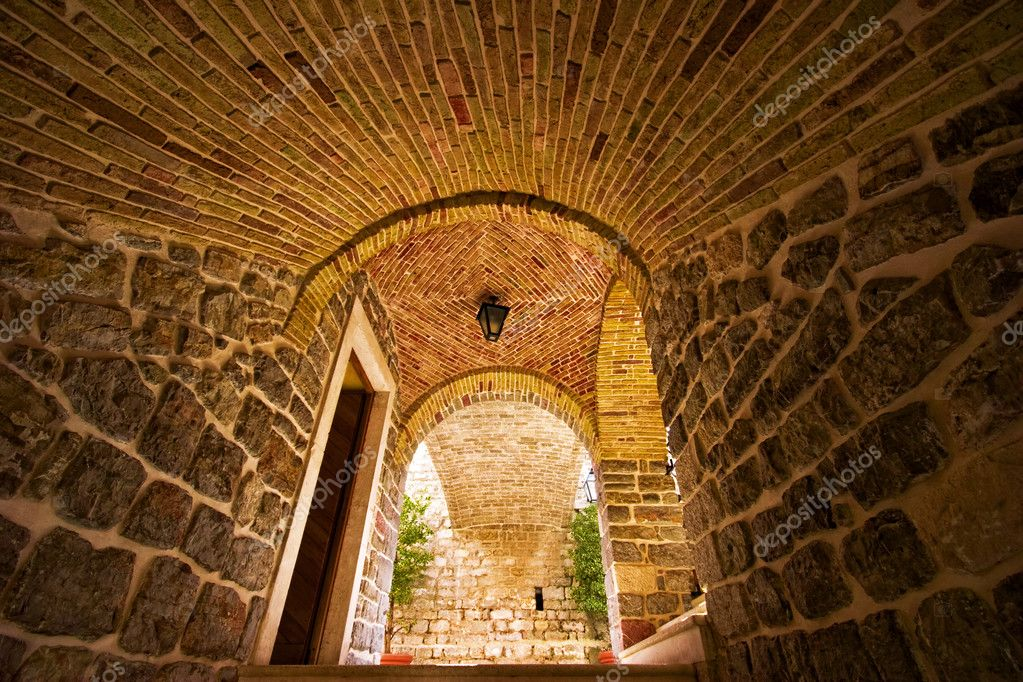 Entrance to the old town. Budva. Montenegro. — Stock Photo #1618476