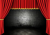 Red Stage Theater Drapes and dark room — Foto Stock