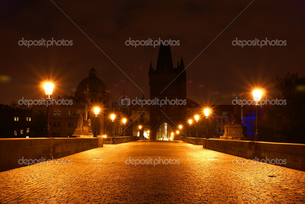 Night view at tower on charles bridge in prague                  — Stock Photo #1664992