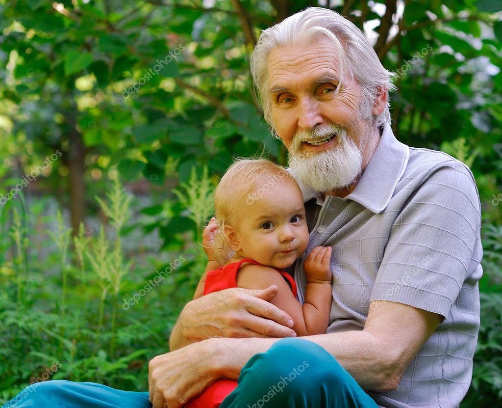Смотреть дедушка с внучкой 8 фотография