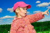 Dívka v červené čepici — Stock fotografie