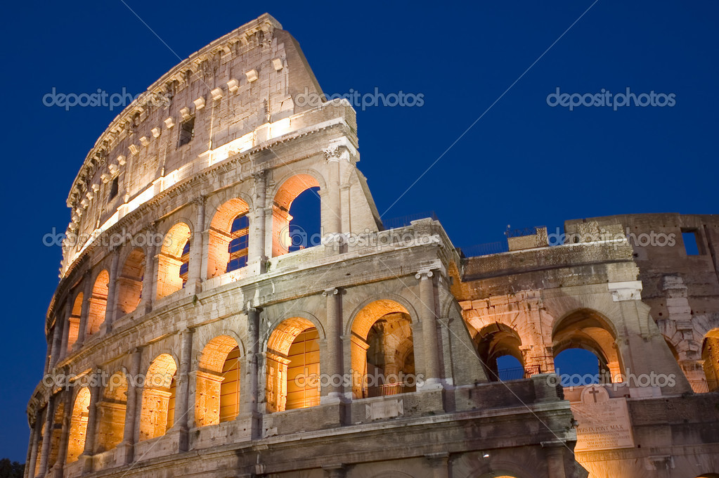 Italy Older amphitheater - Coliseum in Rome — Stock Photo #1858550