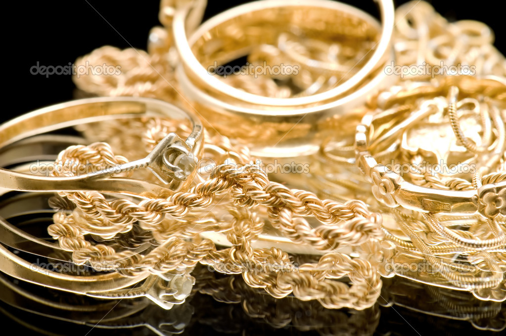 Object on black - Gold valuable on black — Stock Photo #1868935