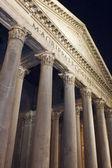 Fasáda pantheonu v římě — Stock fotografie