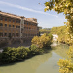Tiber river and bridge — Stock Photo #1912097