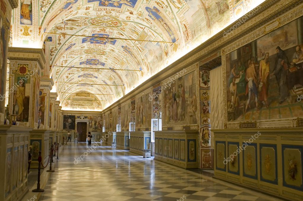 Italy Older Interior Vatican Museum in Rome — Stock Photo #1913028