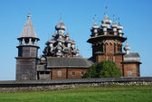 Domes of the famous Church of the Transfiguration (Kizhi ensemble), the masterpiece of wooden architecture — Stock Photo