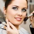 mujer joven en el salón de belleza — Foto de Stock