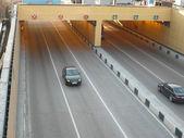 Tunnel unter der Brücke — Stockfoto
