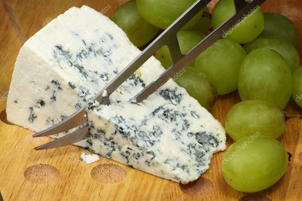 Что можно приготовить с сыра с плесенью