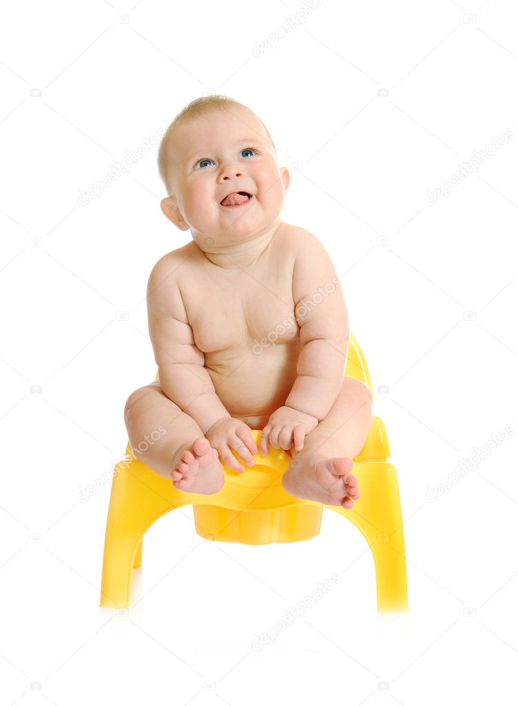Small smiling baby and chamber-pot isolated — Stock Photo #1615940