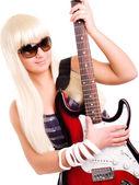 ロックギター女性再生 — ストック写真