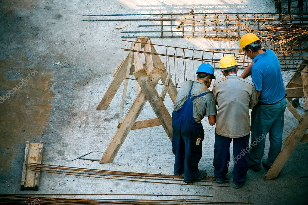 Construction worker working on a construction site — Stock Photo #1726101