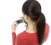 デジタル カメラを持つ女性 — ストック写真
