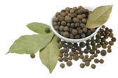 Allspice and bay leaves. — Stock Photo