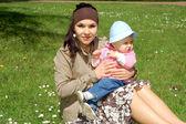 母亲和婴儿的女孩 — 图库照片