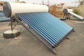 Vácuo sistema de aquecimento solar da água — Foto Stock