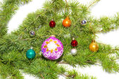 Сhristmas baubles, fir tree and decorati — Stock Photo