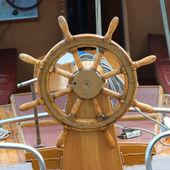 Old boat steering wheel — Stock Photo