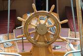 Old boat steering wheel — Zdjęcie stockowe