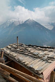 Tibetan village in Himalayan mountain. — Stock Photo