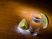 Tequla and lime — Stock Photo