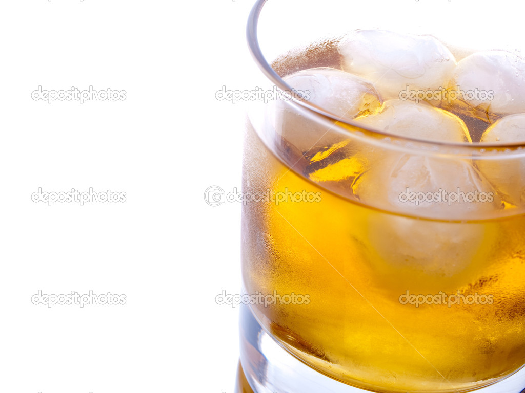 Glass of whiskey and ice, studio shot — Stock Photo #1690615
