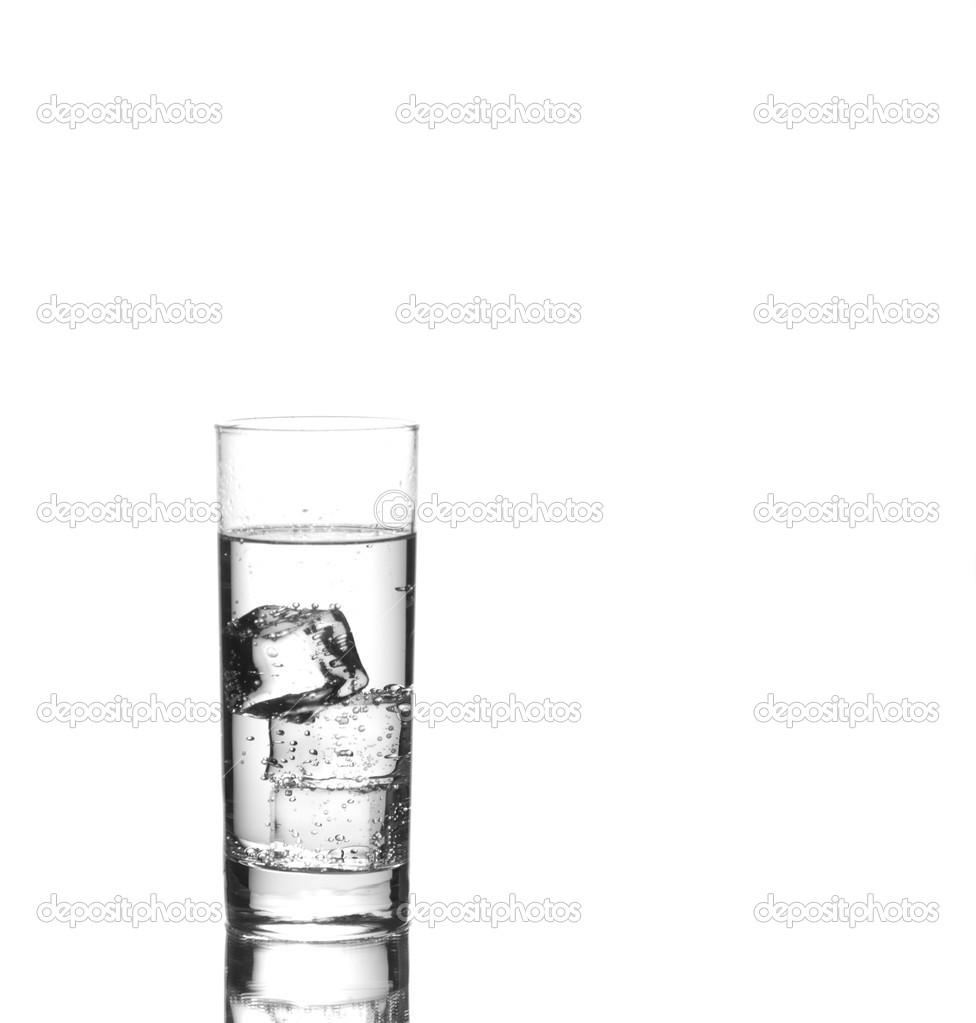 Glass of iced sparkling water  — Stockfoto #2243623