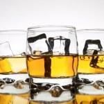 Whiskey reflection — Stock Photo